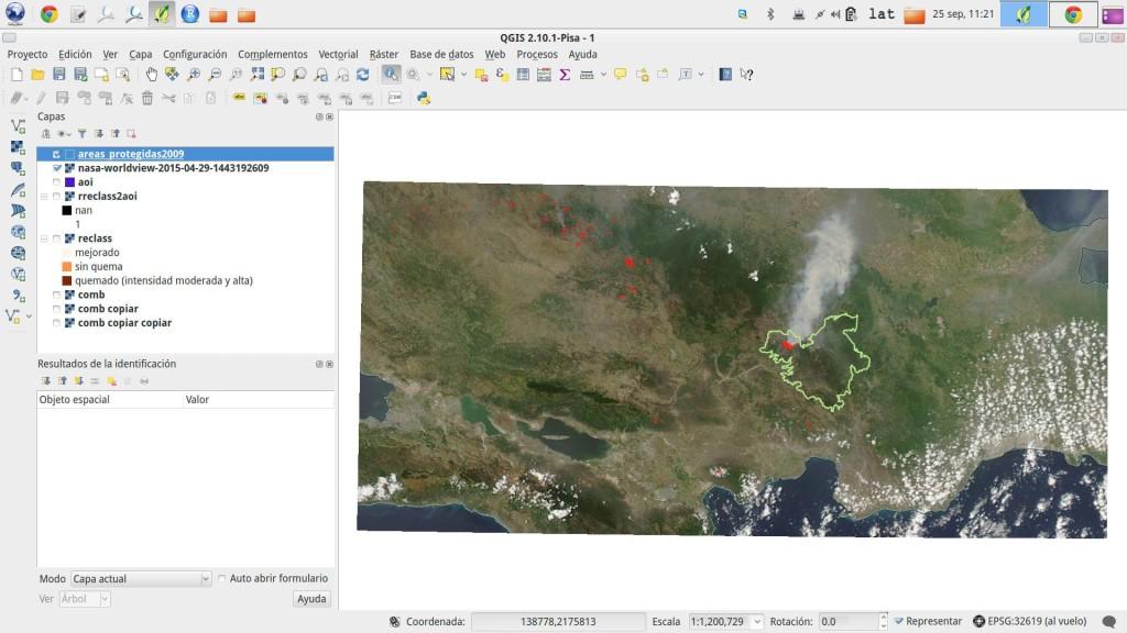 Imagen MODIS tomada por la tarde del 29 de abril de 2015, donde se observa una extensa pluma de humo emergiendo hacia el norte desde Valle Nuevo. Fuente: EOSDIS, URL: https://earthdata.nasa.gov/labs/worldview/